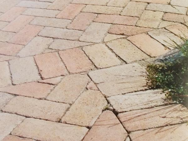 Vendita piastrelle per pavimentazioni esterne